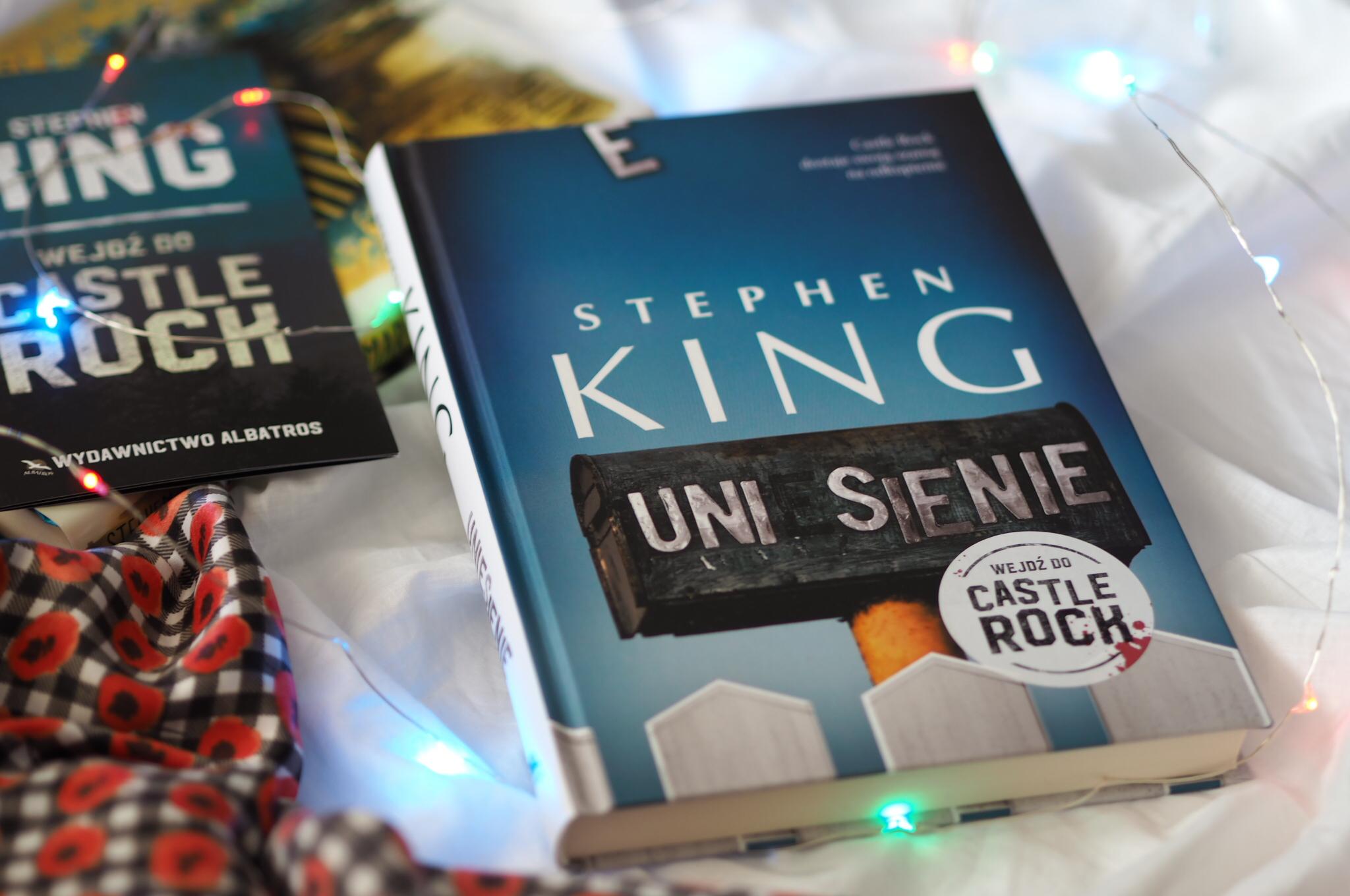 """Stephen King """"Uniesienie"""""""