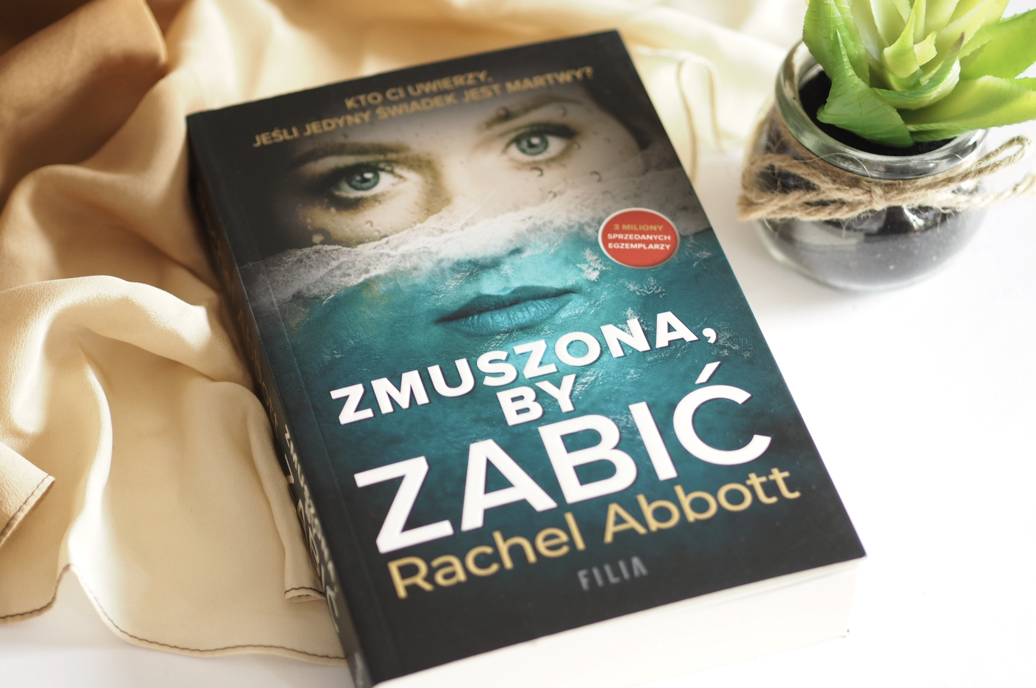 """RACHEL ABBOTT """"ZMUSZONA, BY ZABIĆ"""""""